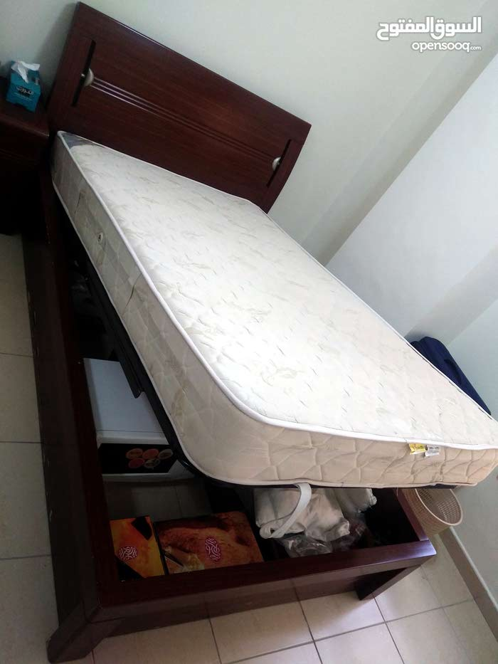 2 pcs double size mattress with frame(bed)