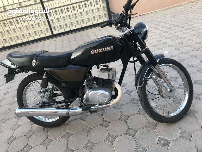 Used Suzuki motorbike available in Nakhl