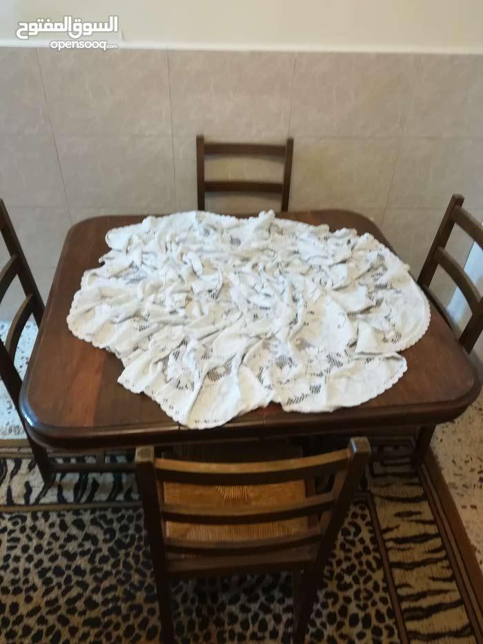 طاولة سفرة تفتح تصبح ل 8 اشخاص
