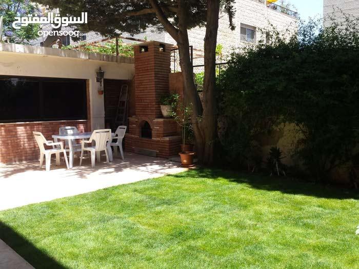 شقة ارضية للإيجار في عبدون