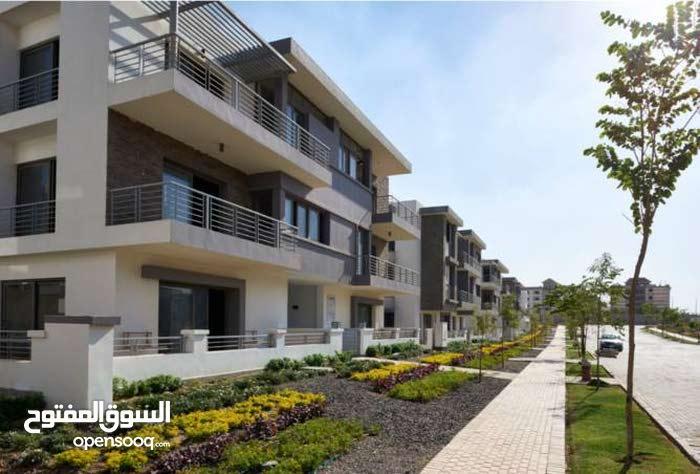 شقة للبيع بالتقسيط بمنطقة القاهرة الجديدة كمبوند تاج سيتي Taj City
