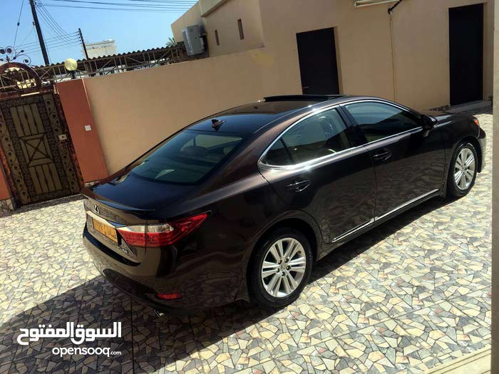 Used condition Lexus ES 2013 with 60,000 - 69,999 km mileage