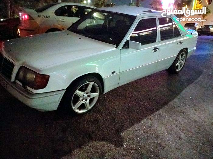 1 - 9,999 km Mercedes Benz E 200 1987 for sale - (103381918) | Opensooq