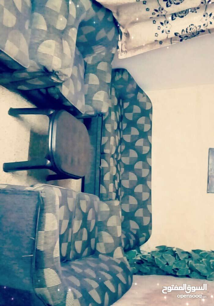 منزل للبيع بدايه  مخيم الحسين بسعر مغري