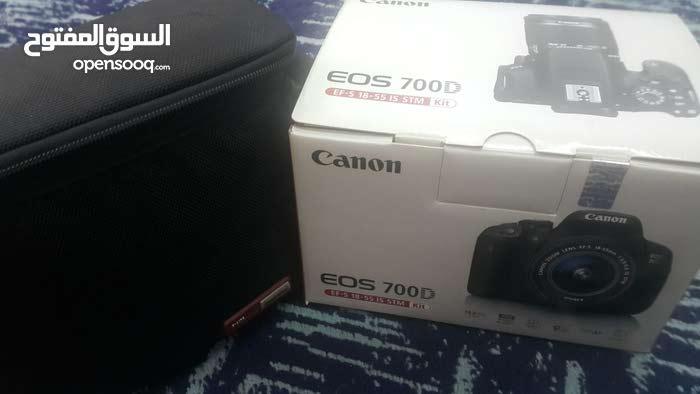 كاميرا كانون D700 بسعر [مغري] ..!