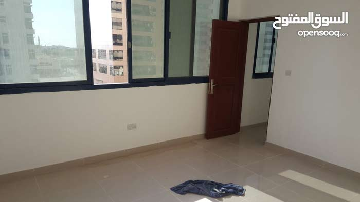 1 bedroom flat in a building for rent near al wahda mall