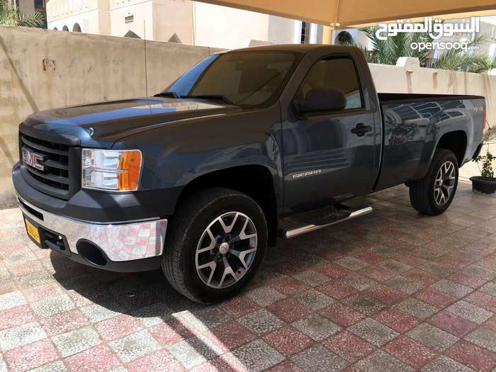 GMC Sierra 2011 For sale - Green color