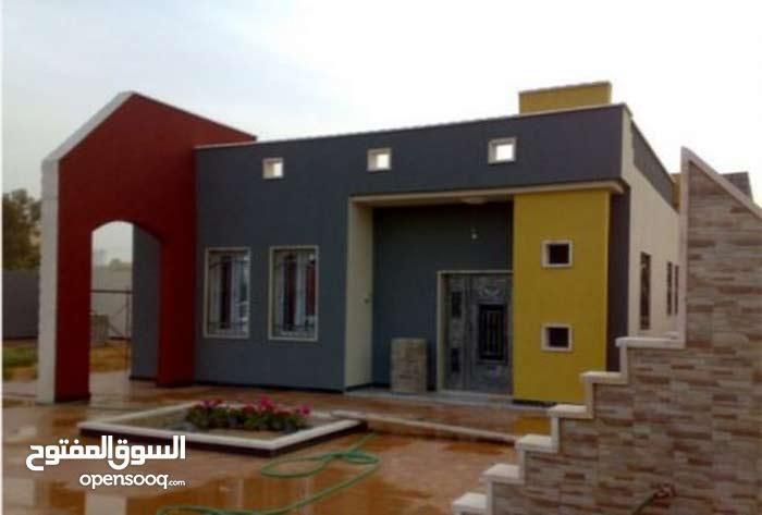 يوجد لدي عروض تجارية وسكانية في طراباس