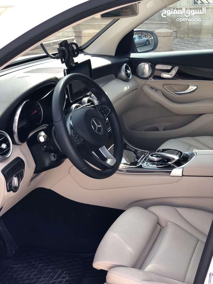 20,000 - 29,999 km Mercedes Benz GLC300 2017 for sale