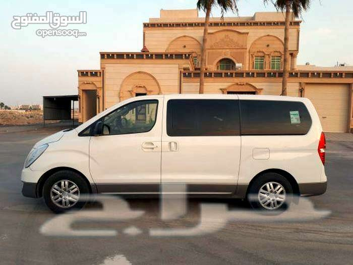 Automatic Hyundai 2017 for sale - Used - Samtah city