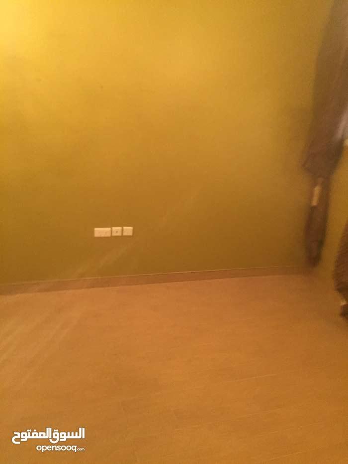 شقة للأيجار بمنطقة  الريف مول صدد الجديده شاملت