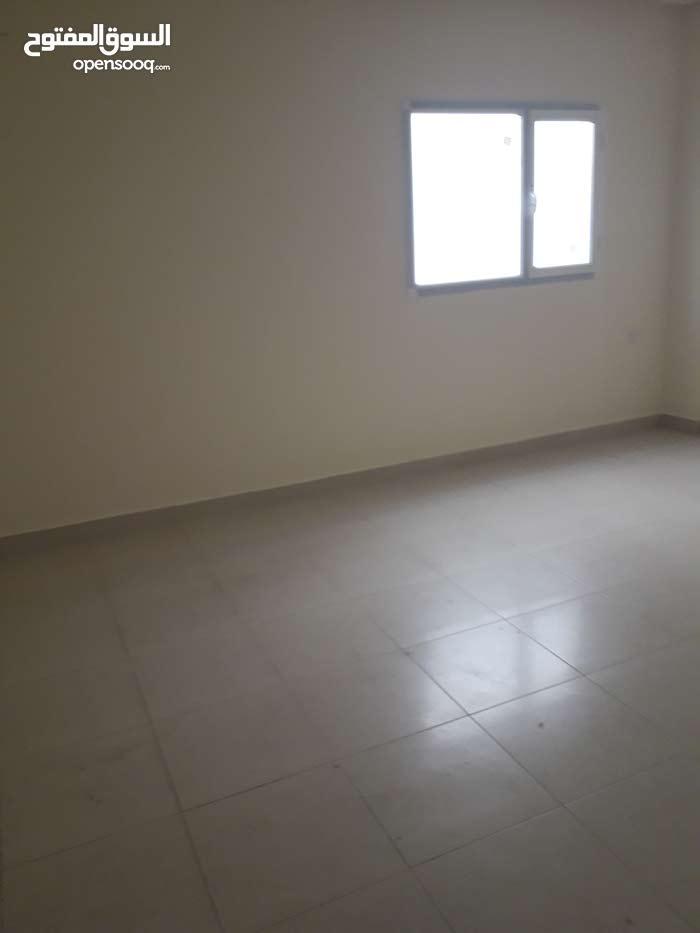 للبيع مبنى جديد في خليج توبلي