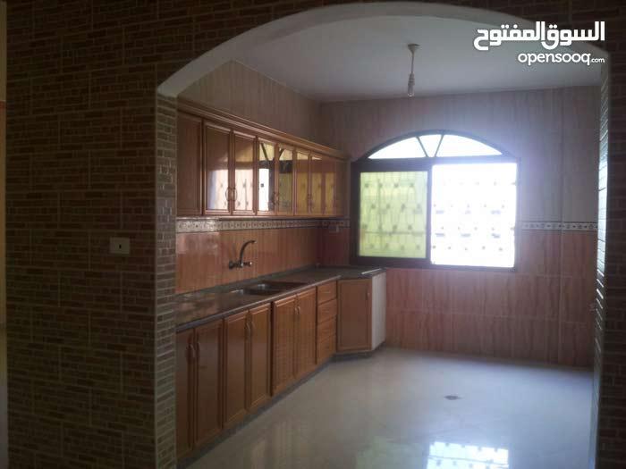 شقق سكنية 110م للايجار /تل الهوا