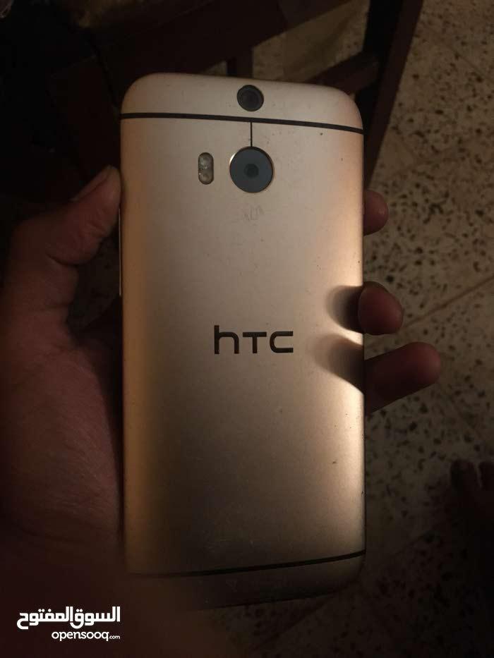 موبايل Htc m8 بحالة ممتازة اللون ذهبي
