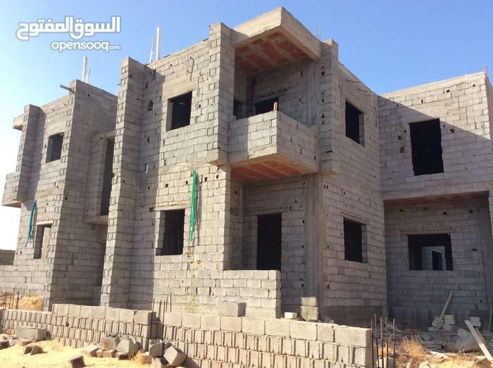 175 sqm  apartment for sale in Tripoli