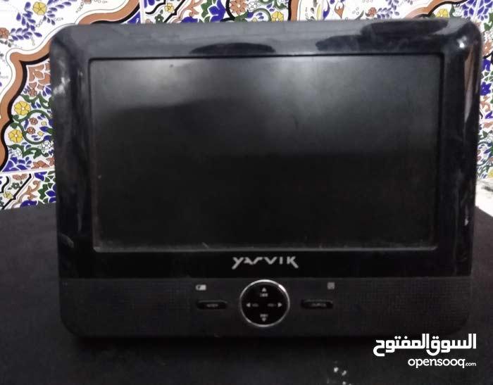 شاشة تلفزيون صغيرة تستعمل لسيارة او في المنزل