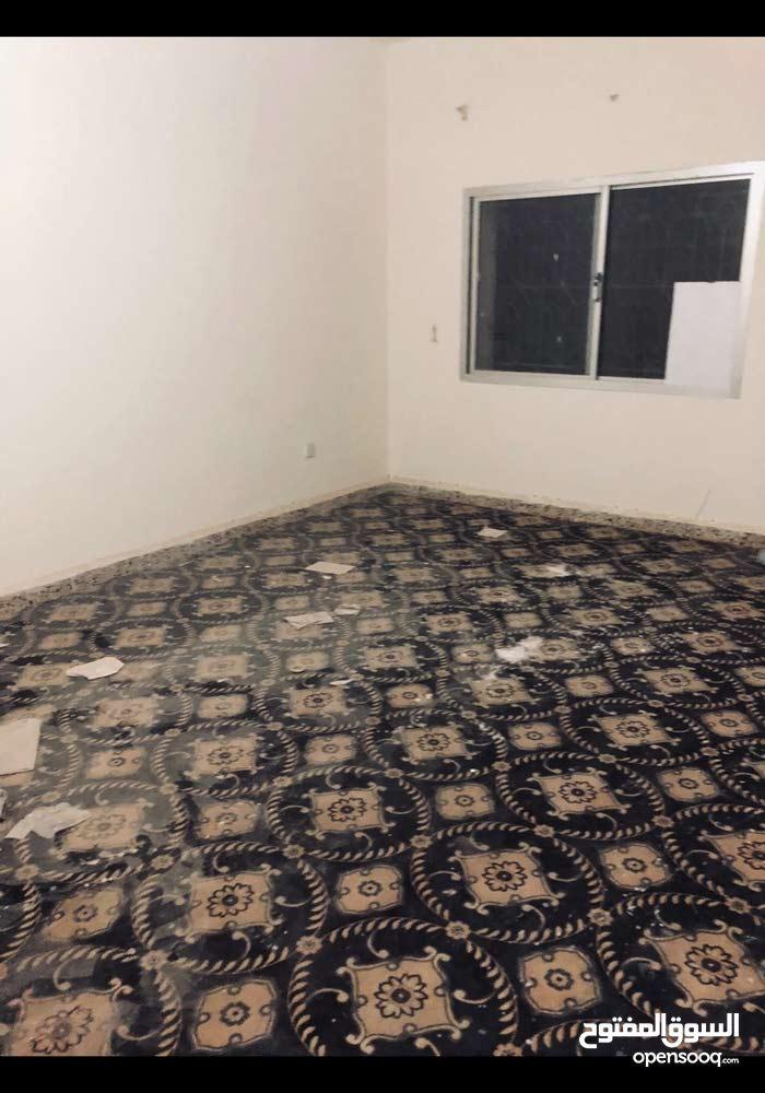 بيت شعبى خلف سوبر ماركت السعوديه وابل بيز الريان