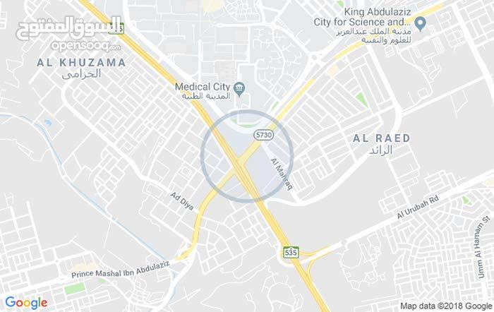 صالات تجارية للإيجار في موقع حي  بطريق الملك عبدالله