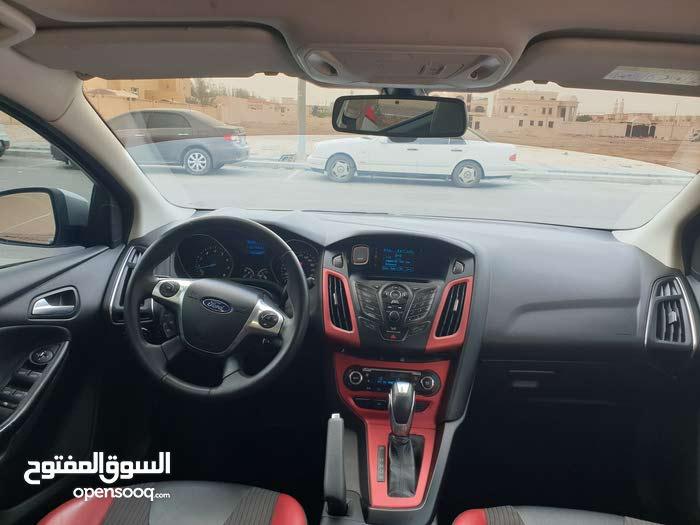 Ford Focus Sports Line 2014 2 0l Zetec Interior 106127282