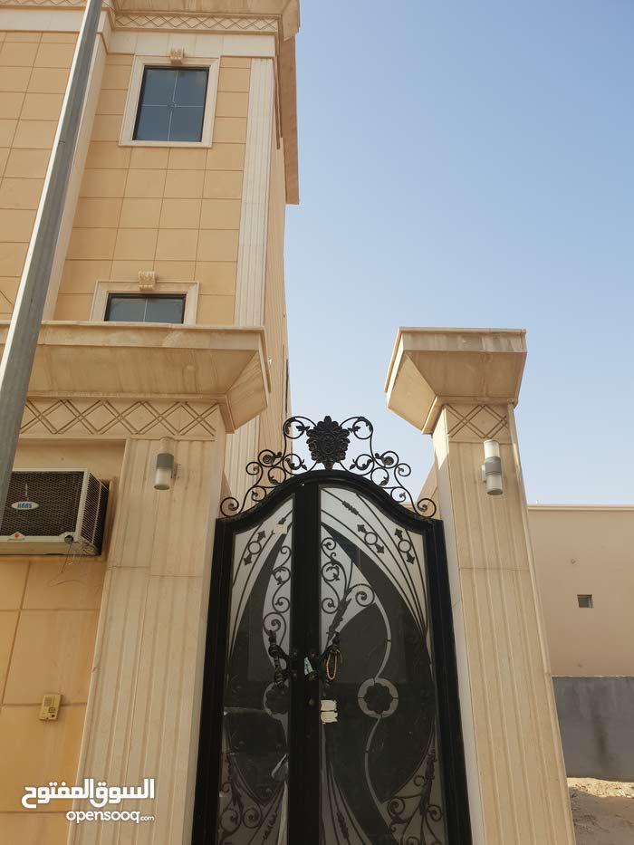 200 sqm  apartment for rent in Al Hofuf