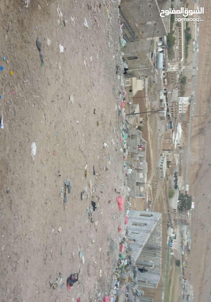 ارض 10 لبن حر في صنعاء مطله المدينه شارعين  للمعاينه ت772189228