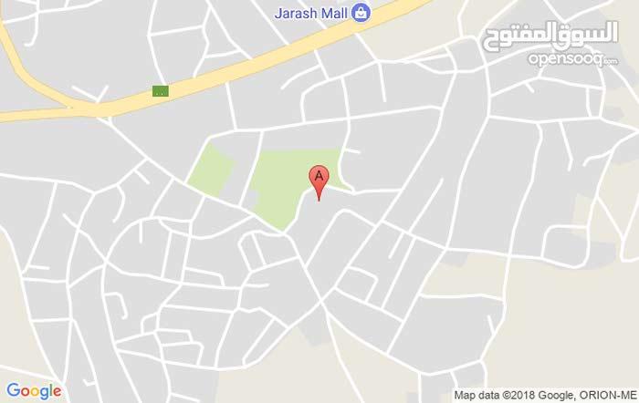عماره ثلاث طوابق للبيع جرش جبل العتمات