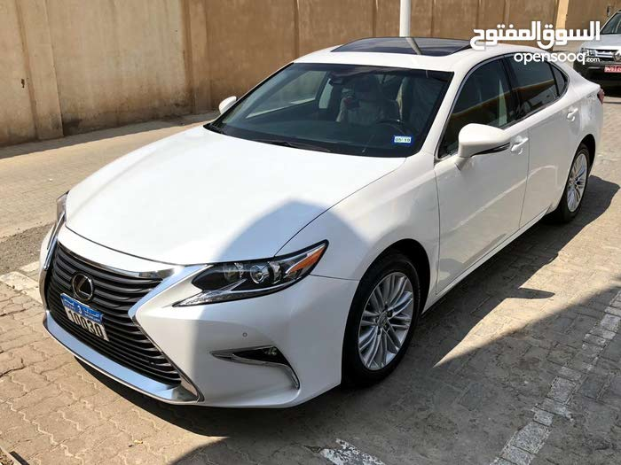 White Lexus ES 2017 for sale