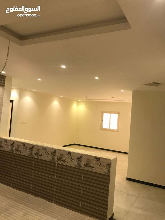 3 rooms 2 bathrooms apartment for sale in JeddahHai Al-Tayseer