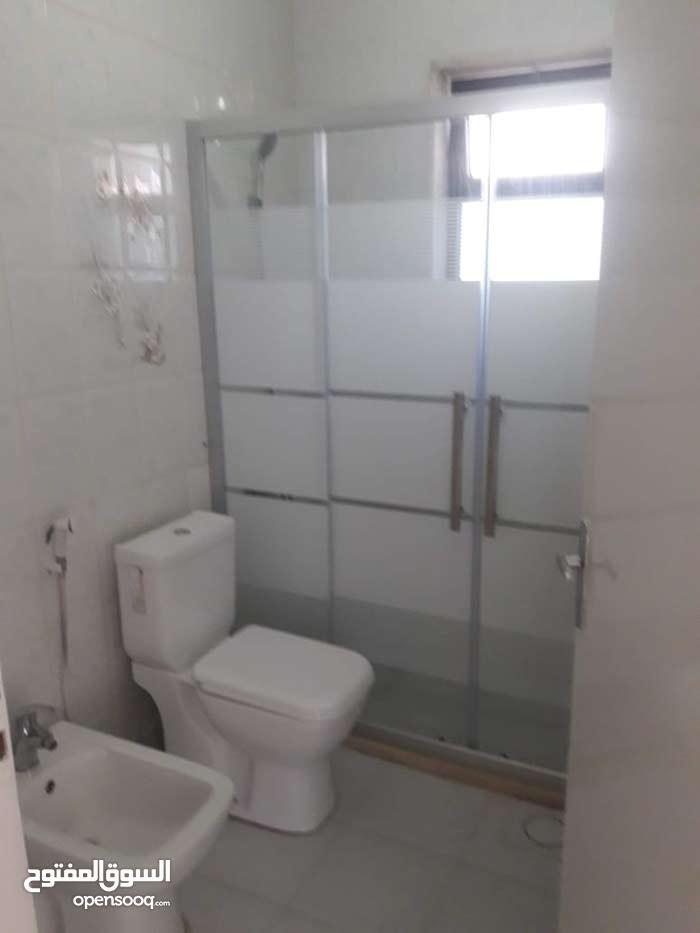 شقة سوبر ديلوكس مساحة 230 م² - في عبدون للايجار