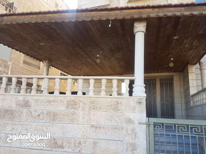 Daheit Al Aqsa apartment for sale with 3 rooms