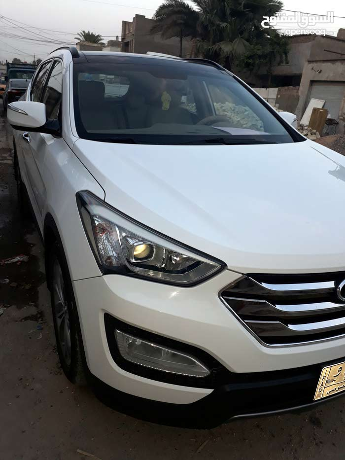 Hyundai Santa Fe 2013 For sale - White color