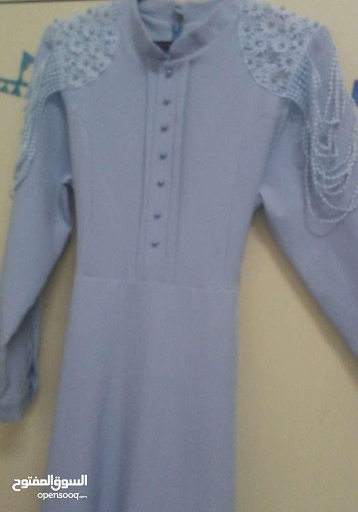 فستان لون سماوي