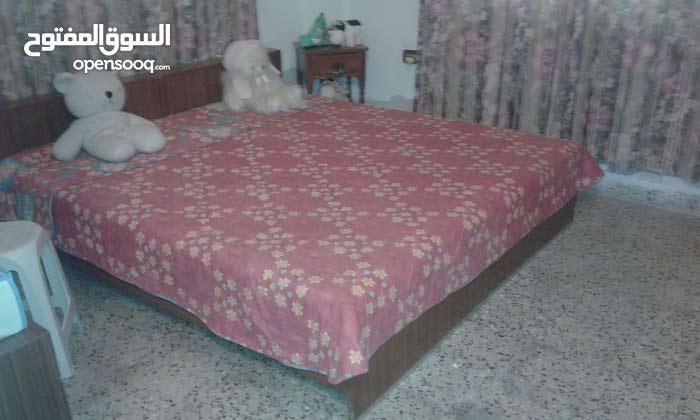 غرفه نوم مستعمله بحاله جيده