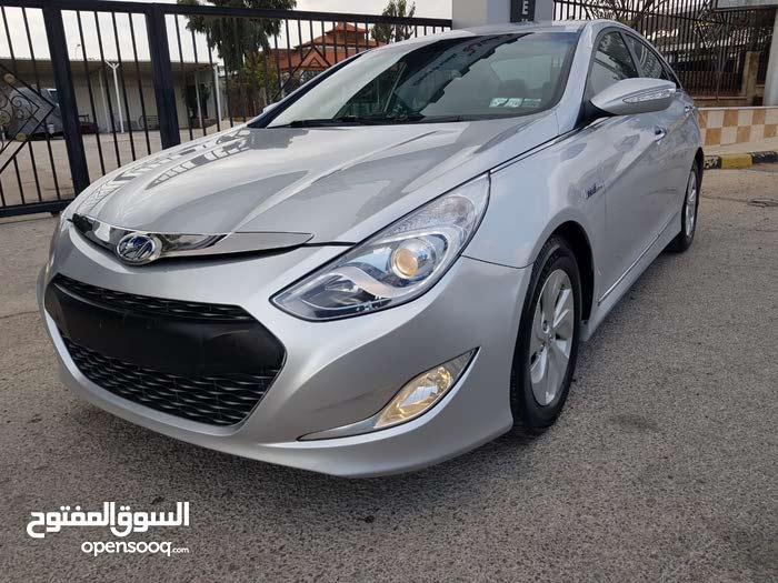Hyundai Sonata car for sale 2013 in Zarqa city