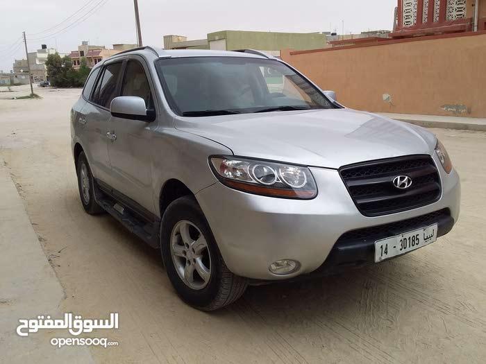 Used condition Hyundai Santa Fe 2010 with 190,000 - 199,999 km mileage