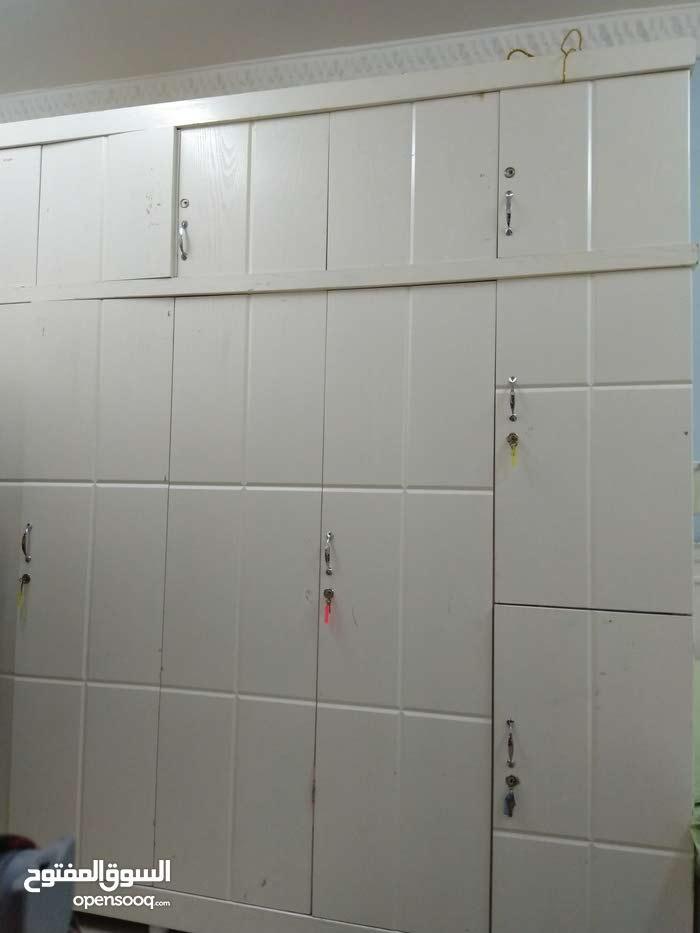 للبيع غرفه نوم كبيت 3 امتار العمق 60 سم السرير مترين خشب كويتي 160 دينار