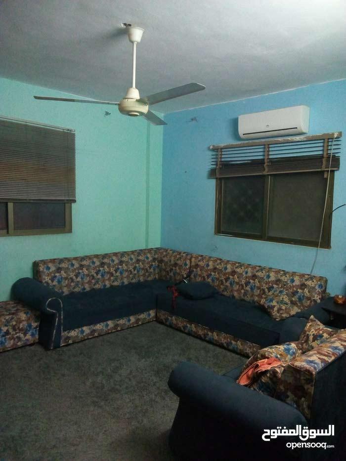 منزل للبيع 127م طابق ارضي في جبل الاميرة رحمة