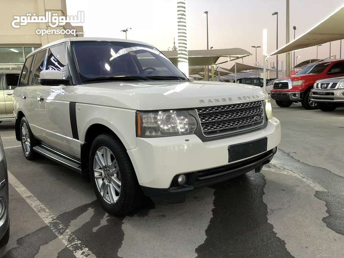 For sale Land Rover Range Rover Vogue car in Sharjah