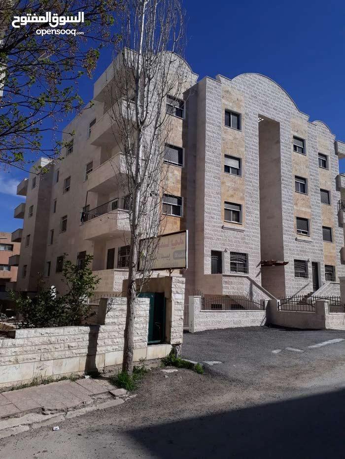 شقة 156م للبيع اربد  بالقرب من كليه بنات اربد معفيه