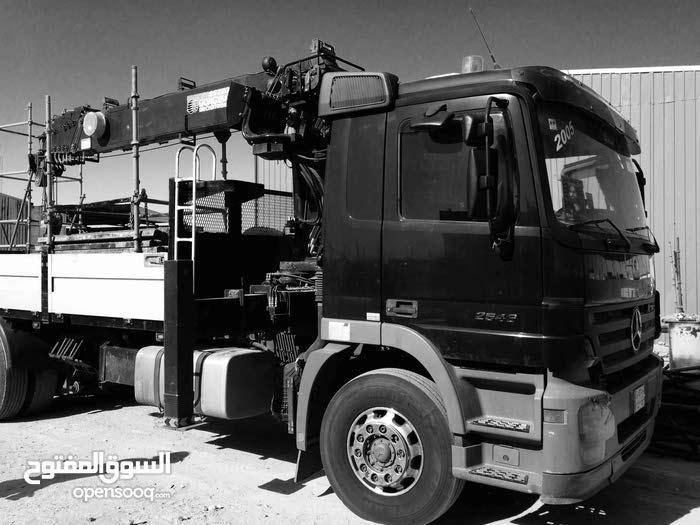 للايجار جميع المعدات الثقيله. ملاحظه يوجد في المعدات دخوليات الى المواقع النفطيه