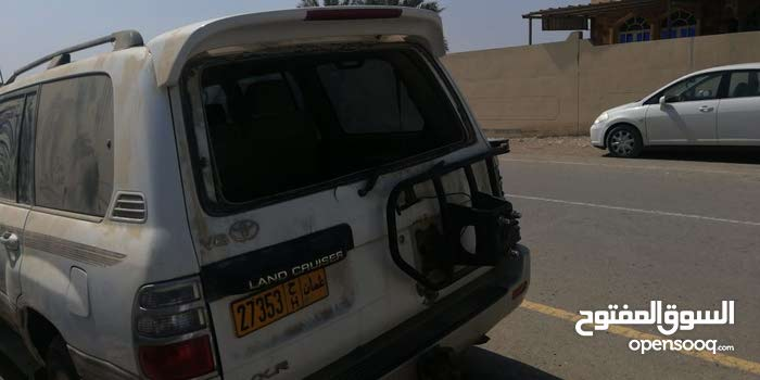 Used condition Toyota Land Cruiser 2004 with  km mileage
