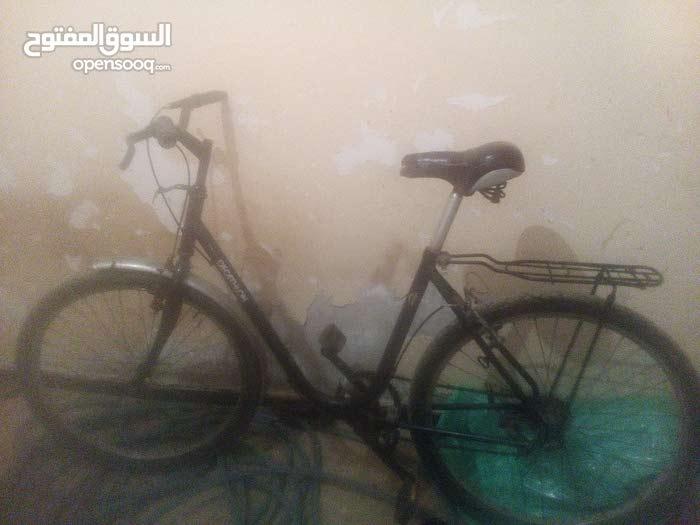 دراجة هوائيه من. نوع decathlo