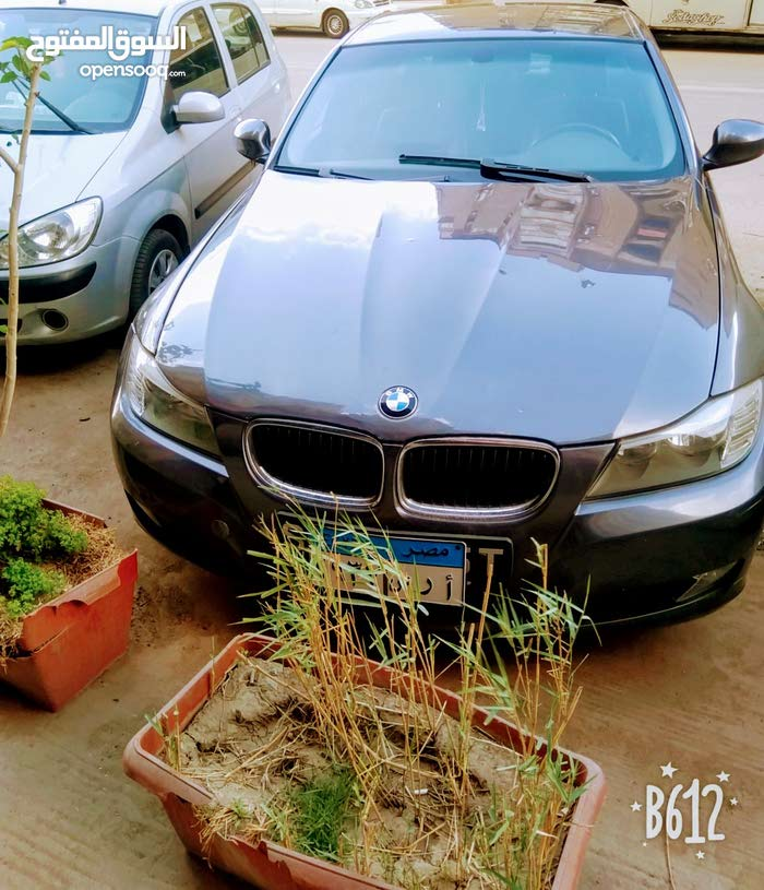 BMW 318i موديل 2009