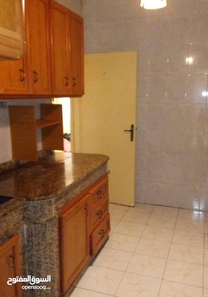 شقة عالرويس بمجمع اهل البيت للايجار