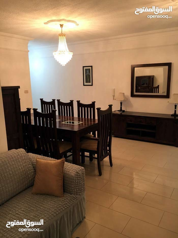 شقة مفروشة ارضي مع حديقة 3BR furnished ground floor apartment