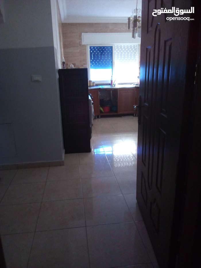 Jabal Al Naser neighborhood Amman city - 96 sqm apartment for sale