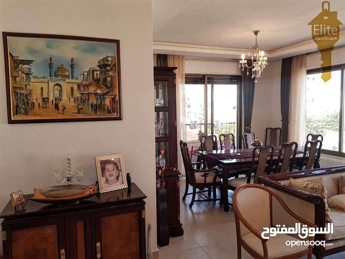 شقه طابق اخير مع روف للبيع في الاردن - عمان - مرج الحمام بمساحه 217م