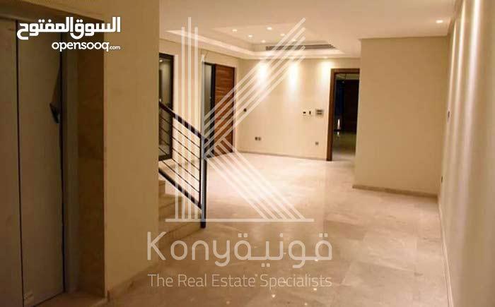 Luxurious 700 sqm Villa for sale in AmmanAbdoun