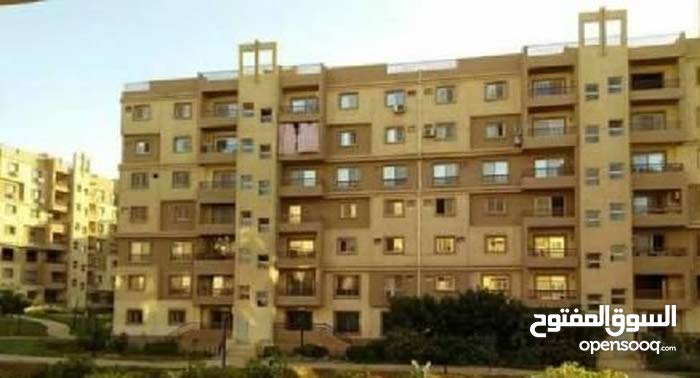 بمدينتي شقة 131م على جاردن في B6
