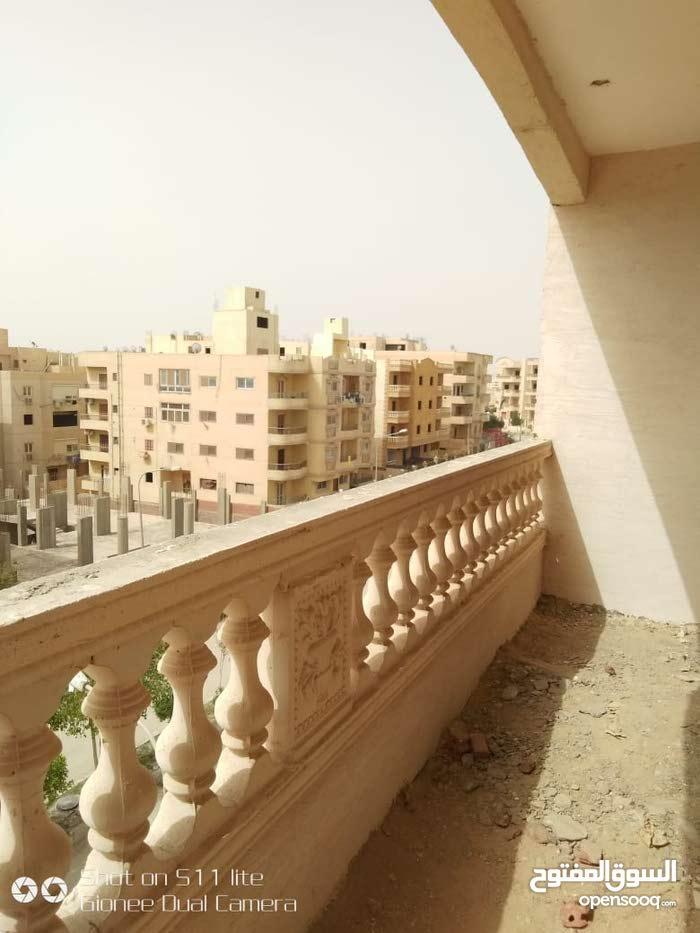 200م شقة بالحى التاسع موقع مميز بالقرب م الحزام الاخضر ودقائق م كارفور